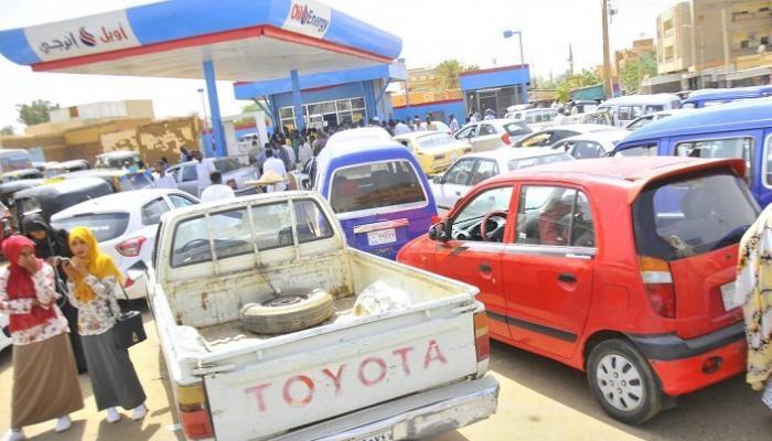 (١٥٠٠) جنية لجالون البنزين بالسوق السوداء