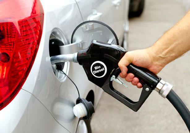سائقي المركبات بالأبيض: إنفراج أزمة الوقود