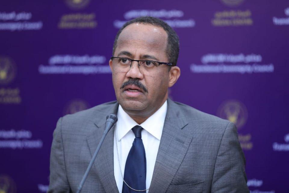 المحلل السياسي صلاح الدين الدومة يتهم وزير الصحة المُقال بتنفيذه لأجندة الدولة العميقة وعدم احترامه للشعب السوداني