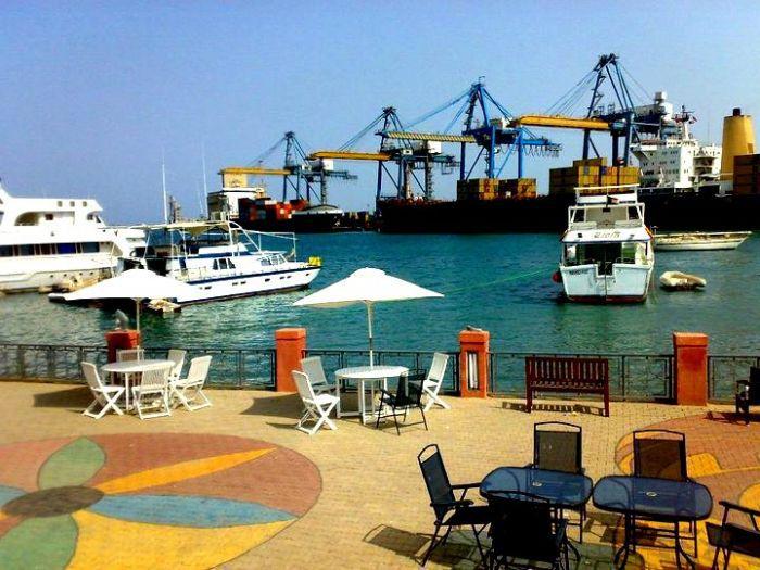 المجلس القومي للصيدلة والسموم يحتجز 6 حاويات محاليل وريدية بميناء بورتسودان
