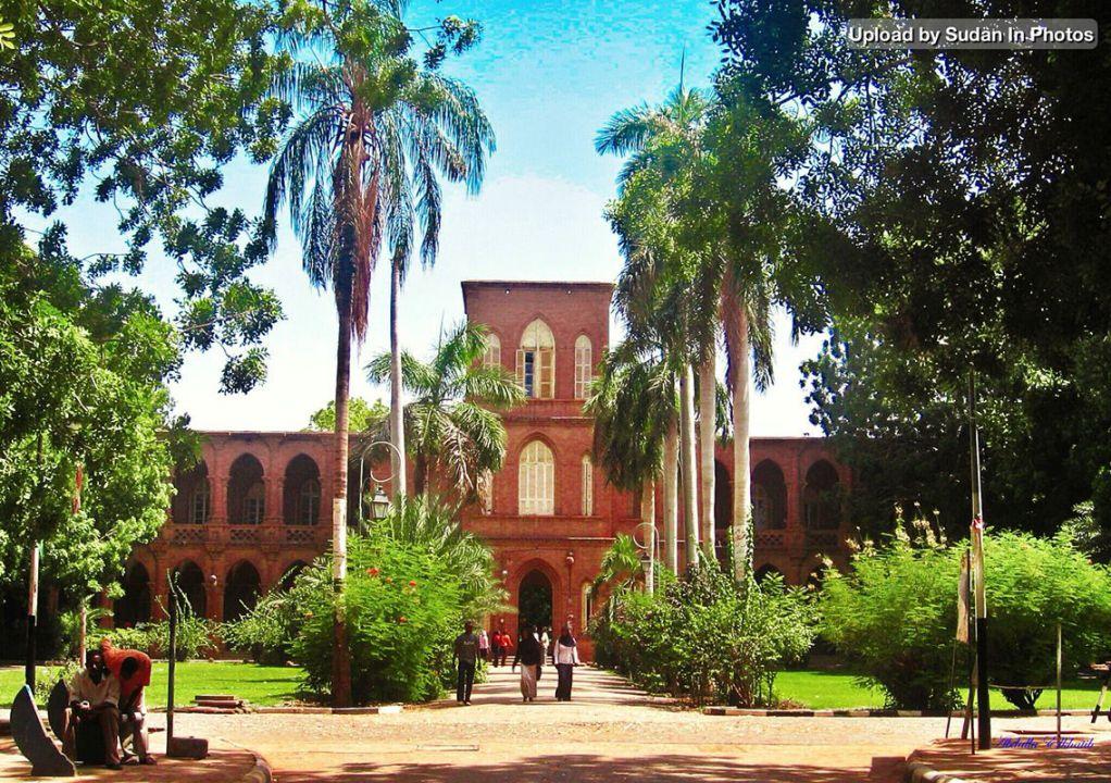 مدير جامعة الخرطوم تشدد على ضرورة الإلتفاف حول مشروع للوطن يلبي طموحات الشباب