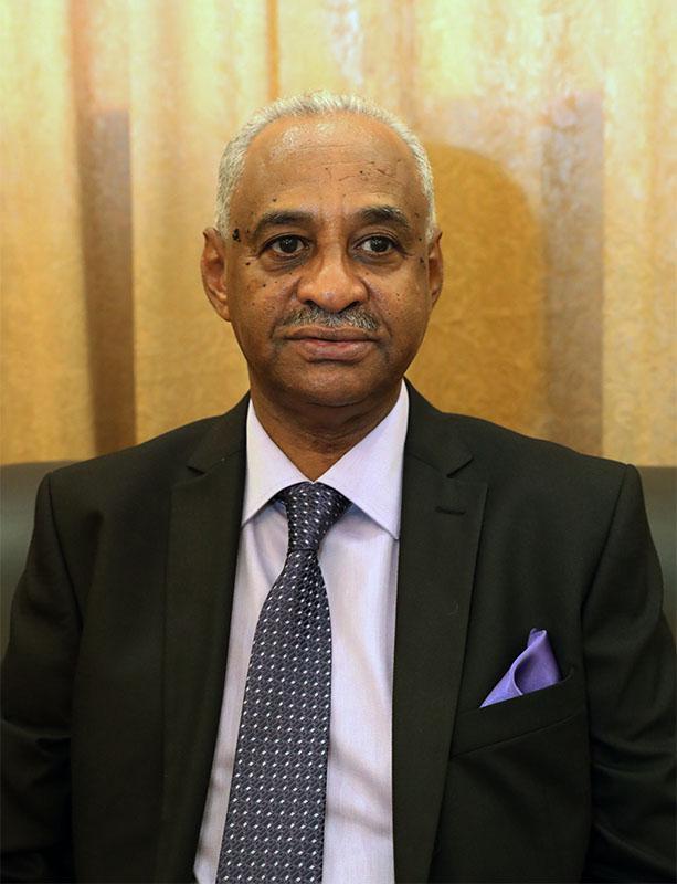 """وزير الإعلام السوداني ل """"CNN: الخارجية الأمريكية تؤكد إزالة السودان من قائمة الإرهاب عقب دفع تعويضات ضحايا تفجير السفارتين"""