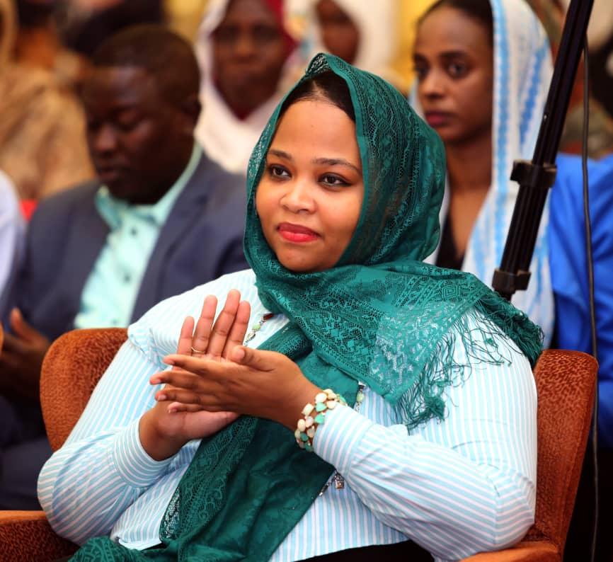 وزيرة الشباب والرياضة تعلن إصابتها بفيروس كورونا في السودان