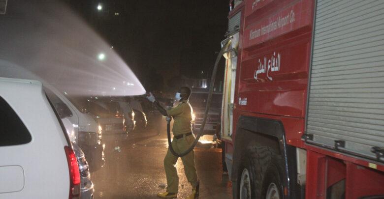 """الدفاع المدني : """"8"""" عربات لم تنجح في إطفاء حريق مصنع الأدوية وإتلاف كبير للأدوية والمواد الخام"""