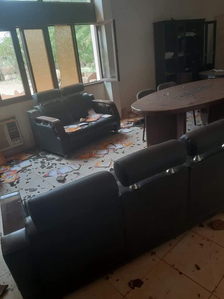 تدمير مكاتب محلية المناقل بسبب الحظر
