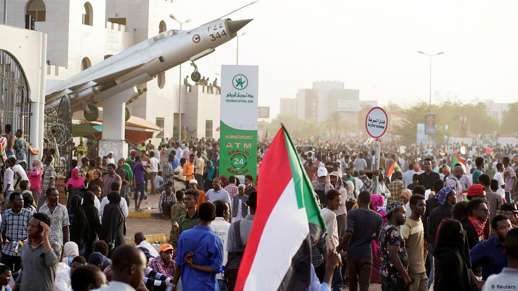 تظاهرات بالخرطوم إحياءً لذكرى فض إعتصام القيادة