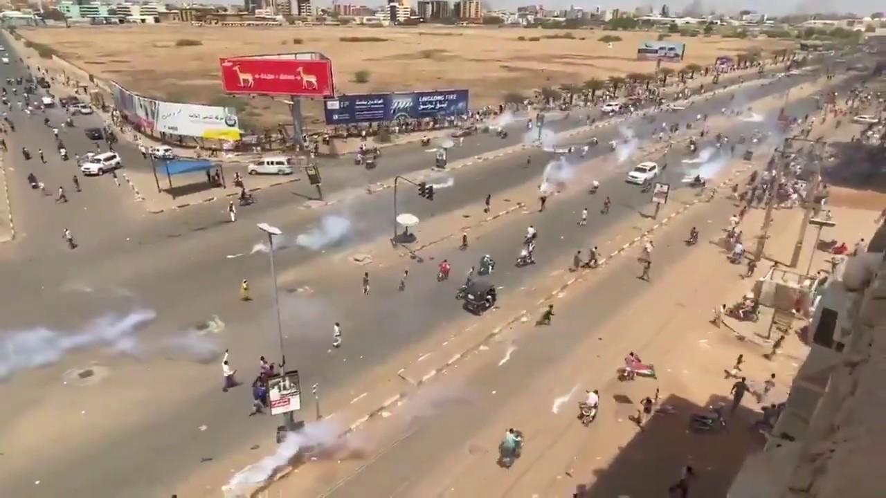 احتراق شقة مواطن بعبوة غاز مسيل للدموع بشارع المطار