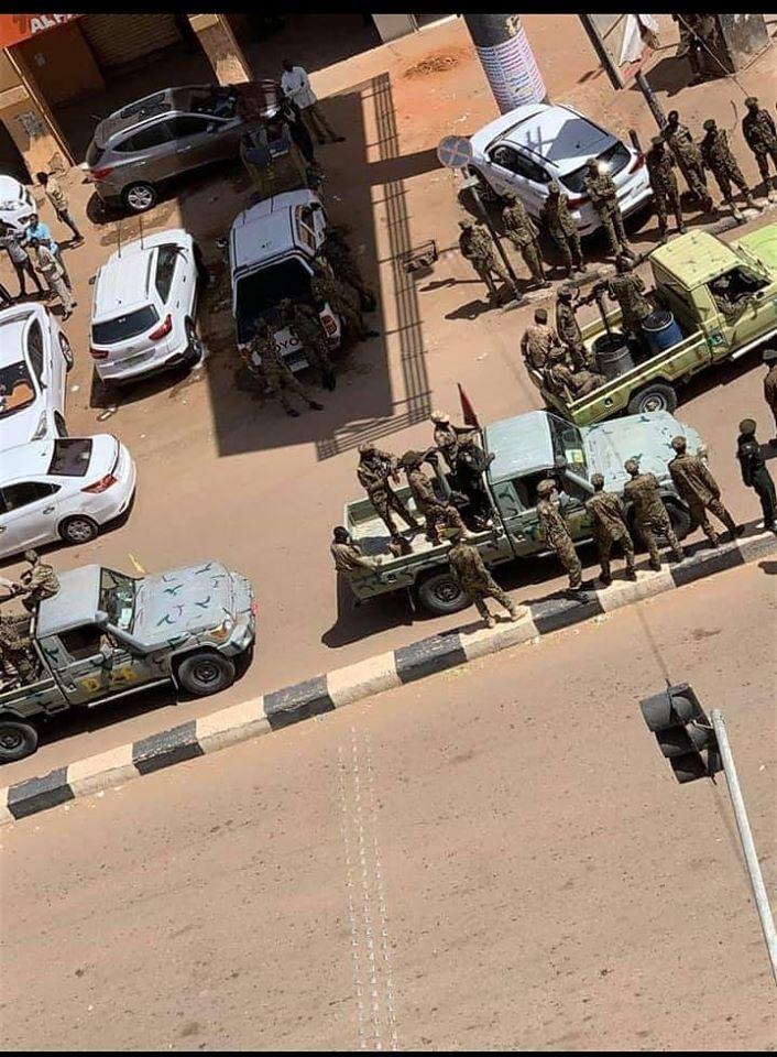 عاجل| أنباء عن القبض على عناصر أجنبية شاركت في الإحتجاجات التي نظمها مؤيدي النظام البائد بالأمس