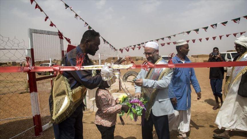 افتتاح محطة لشرب المياه بواسطة وقف الديانة التركي شرقي الخرطوم