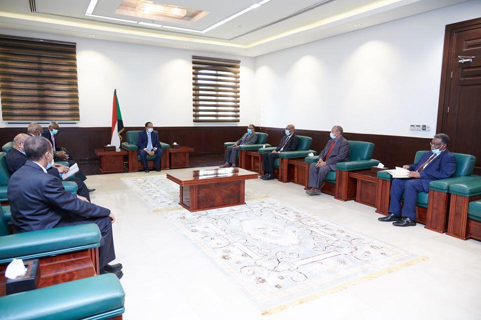 حمدوك يوجه سفراءه بإستعادة اسم السودان و مكانته وسط دول العالم