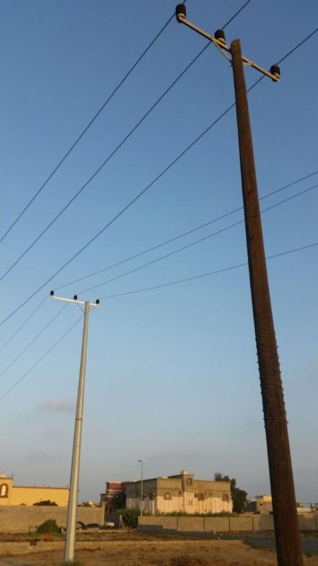 مواطن يحذر من عمود كهرباء بشارع النيل!