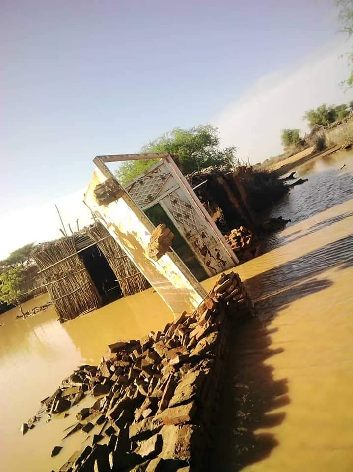 قرى سودانية تستغيث من السيول والامطار ..و أخرى في طريقها للزوال