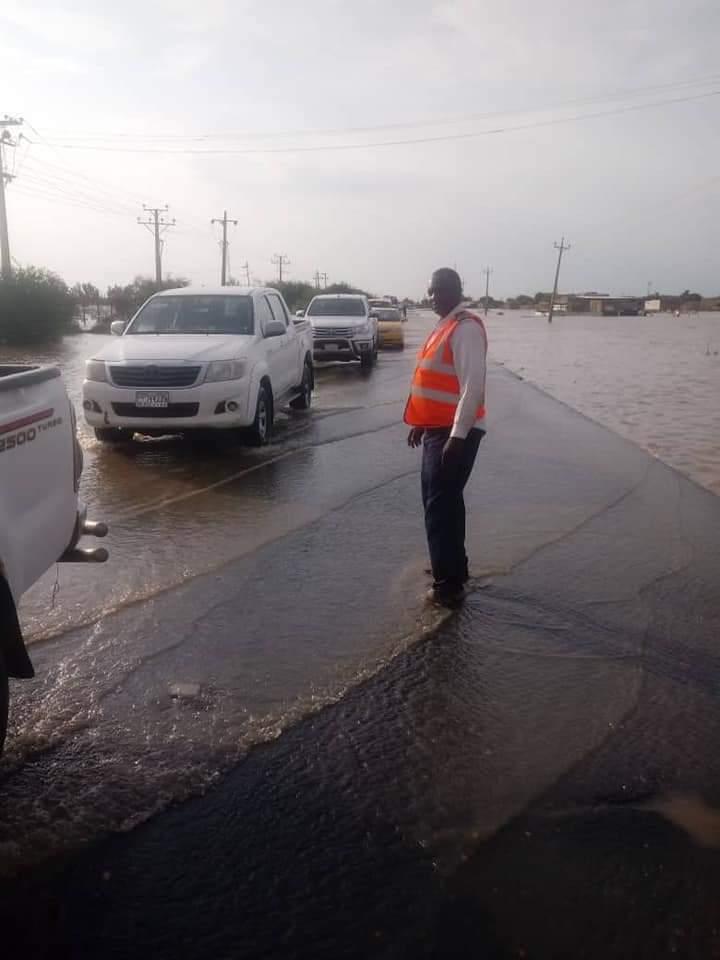 بالصور.. الإدارة العامة للمرور تحذر المسافرين عبر طريق مدني الخرطوم