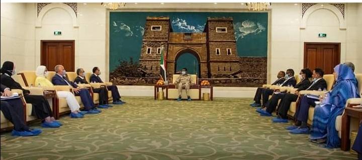بالصورة.. ظهور بوابة مدينة سواكن أثناء اجتماع نائب مجلس السيادة بالوفد المصري