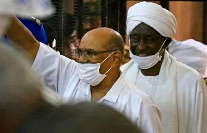 المحكمة ترفض طلبا لدفاع متهمي انقلاب 89 بتحويل جلسات المحاكمة إلى قاعة أفراح