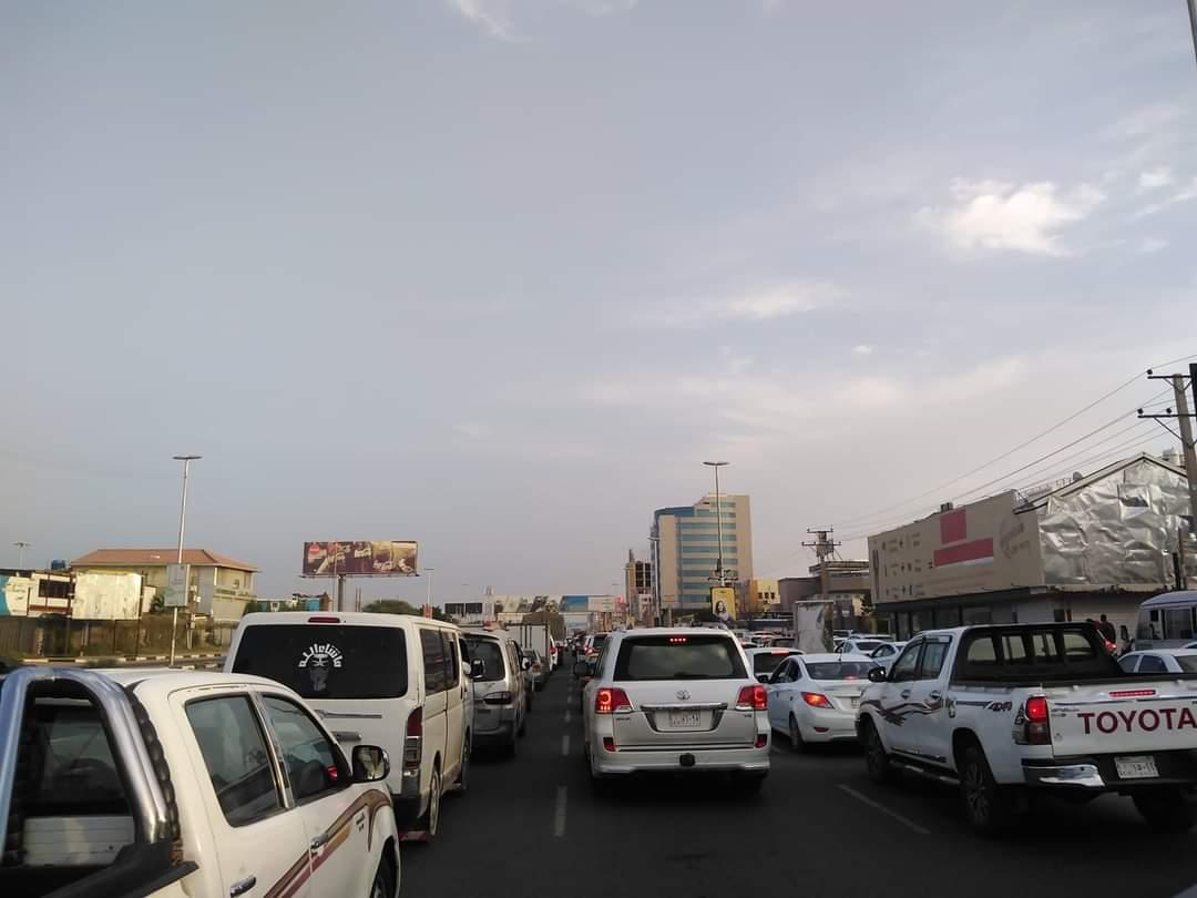 """""""بطلها_في _الكبرى"""" وسم يطلقه ناشطون بمواقع التواصل احتجاجا على زيادة أسعار الوقود"""