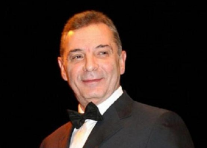 الممثل المصري محمود حميدة يتفاعل مع أزمة الفيضانات بالسودان