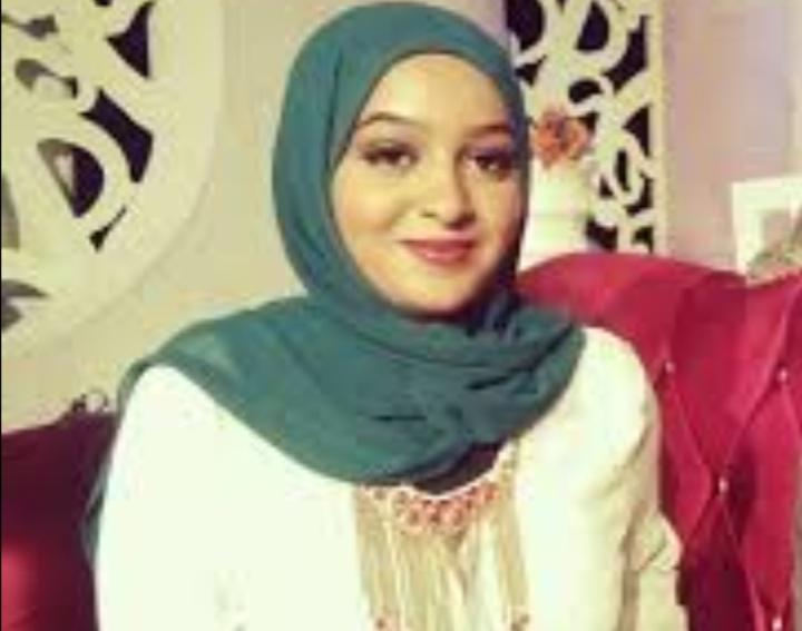 المذيعة حنان عثمان : عسكري الدعم السريع تحسّسني من كتفي وتحرّش بي وعندما دافعت عن نفسي ضربني بالكف على وجهي