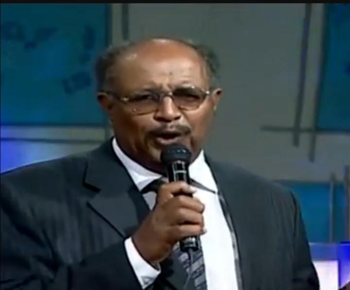 وفاة الفنان عثمان مصطفى